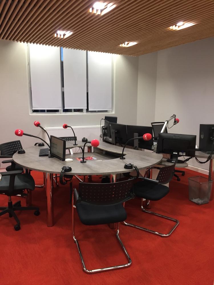 Aménagement électrique d'une radio locale Rouen (76)