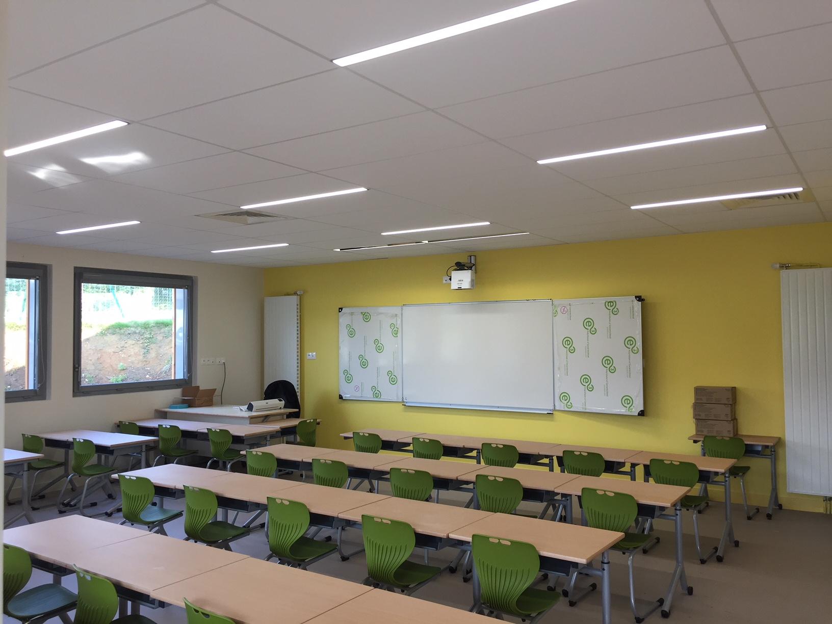 Installation électrique d'une école à Berville dans le département de l'Eure